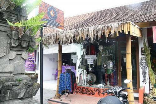 shop @ Batu Belig 2011